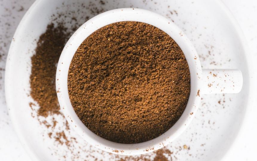 kavos tirščiai degina riebalus)